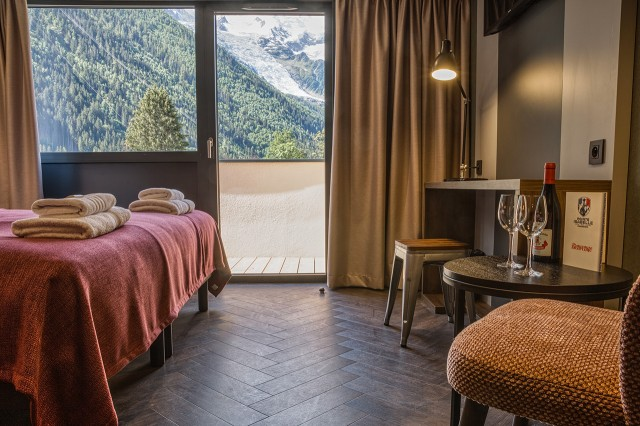 Double / Twin Superior Summit hotel room Chamonix